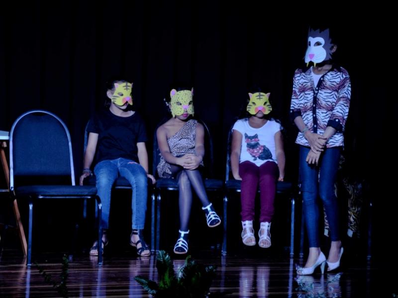 """""""O julgamento dos bichos"""" – espetáculo realizado no dia 15/7 durante a 1ª Mostra de Teatro – Dist/Shopping Park (foto: Marco Cavalcanti)"""