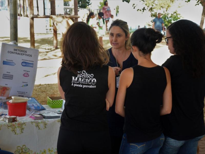 Prestação de serviços durante o 2º Ruas de Lazer, evento realizado no dia 16/7 como parte do projeto de extensão Dist/Shopping Park (foto: Marco Cavalcanti)