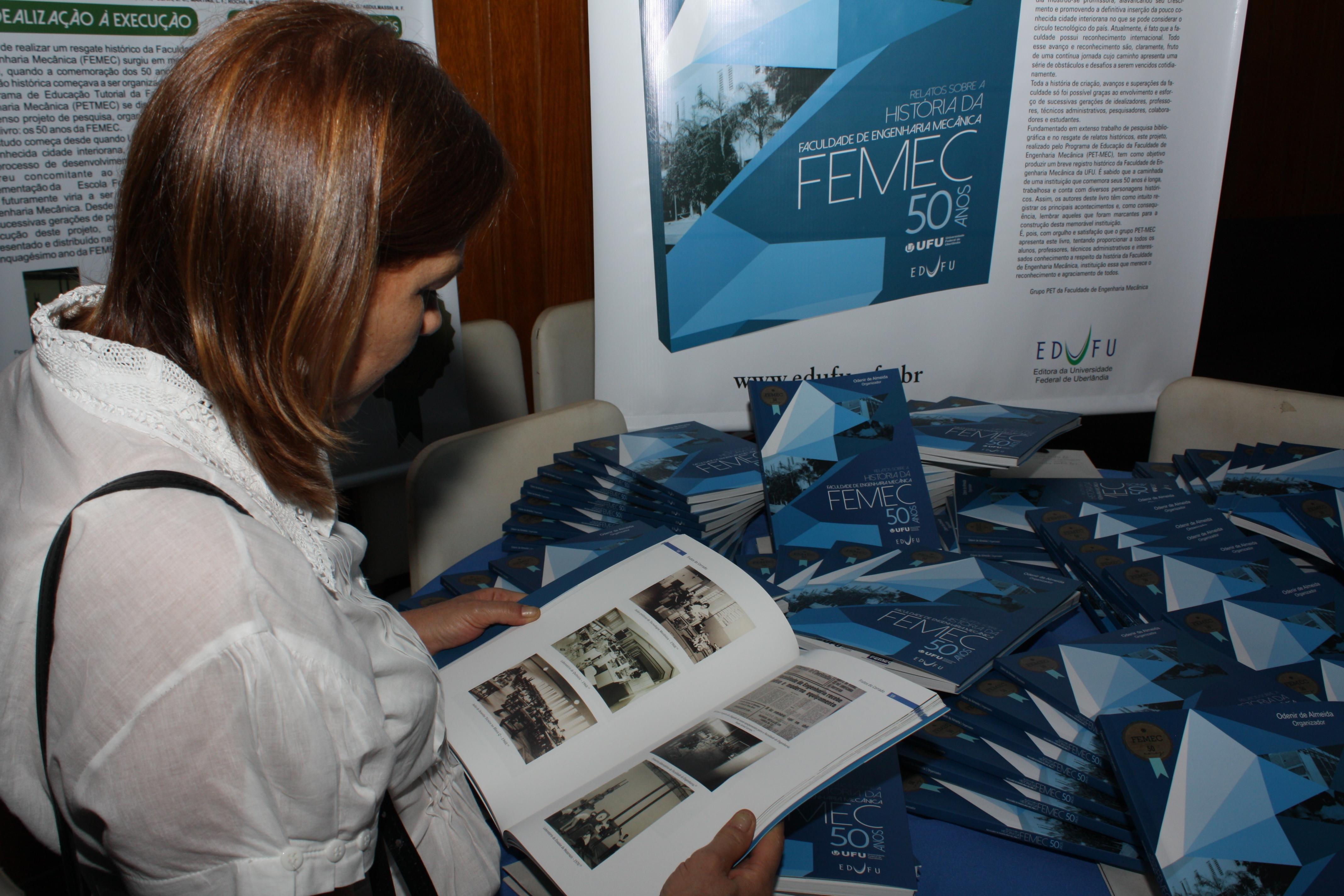 Lançamento do livro sobre os 50 anos da FEMEC (Foto: Gilberto Pereira)