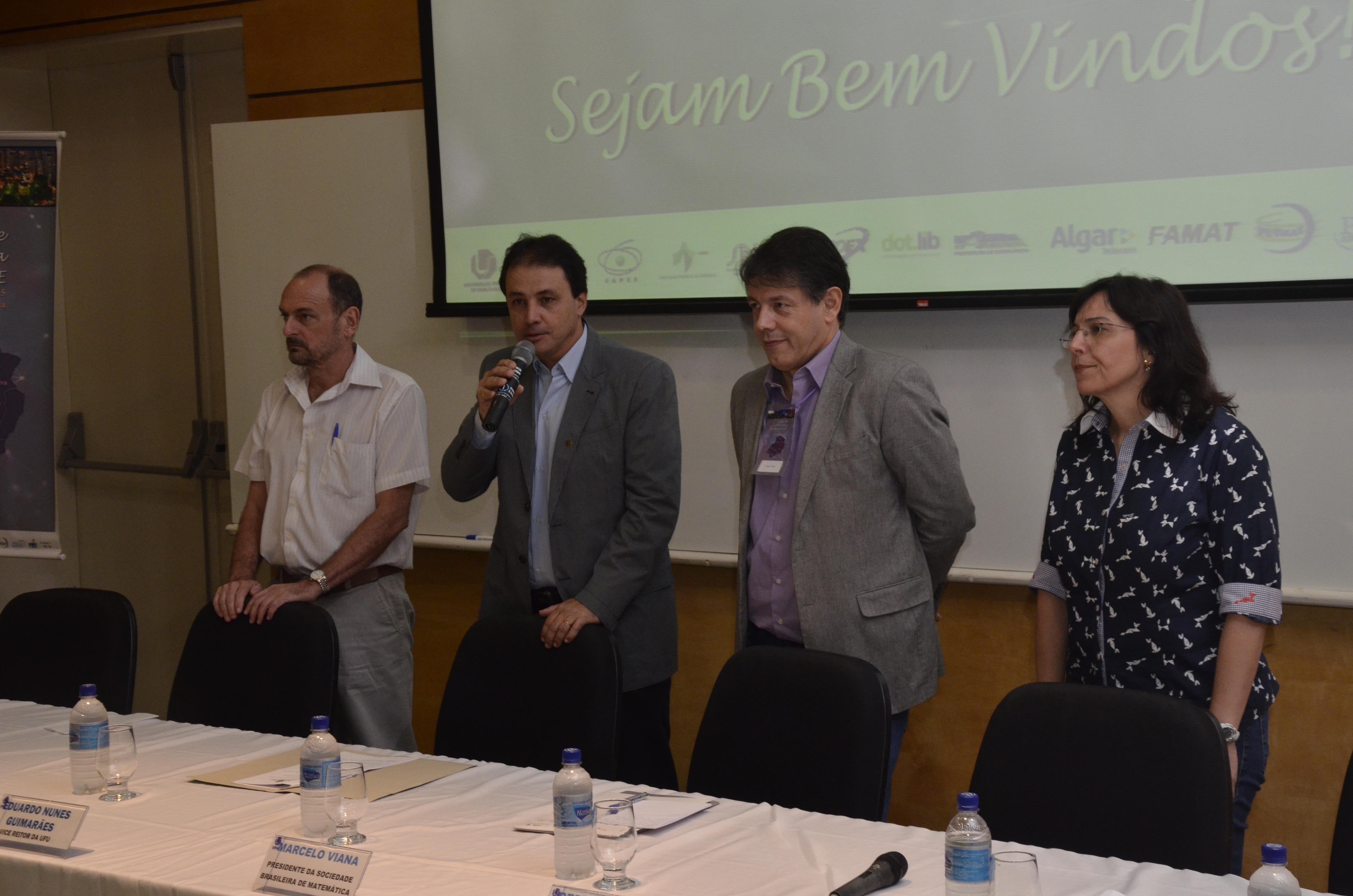 Começou nesta segunda-feira, 13/04, o 3º Colóquio de Matemática da Região Sudeste. (Fotos: Milton Santos)