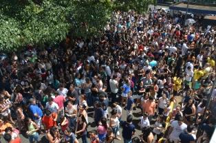 Candidatos que fizeram provas no Campus Santa Mônica da UFU, neste domingo, 3 de abril (Foto: Milton Santos)